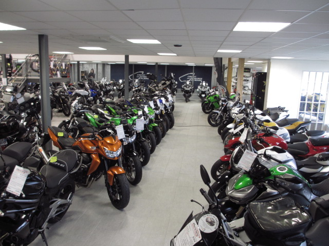show room rennes motos le sp cialiste de la moto d. Black Bedroom Furniture Sets. Home Design Ideas