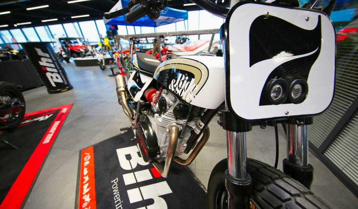 rennes motos le sp cialiste de la moto d 39 occasion. Black Bedroom Furniture Sets. Home Design Ideas